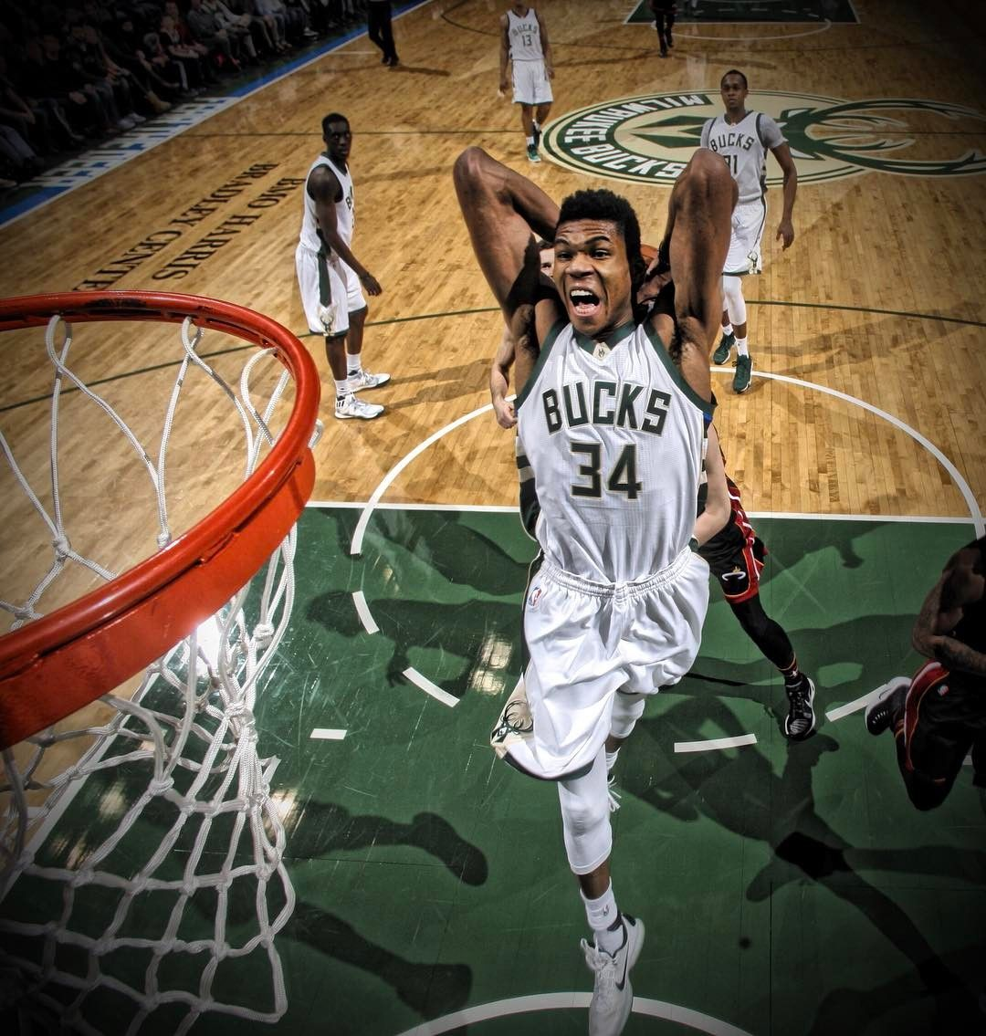Giannis Antetokounmpo I Was Once Ten Feet Away From This Incredible Man At The Pacers Game Giannis Antetokounmpo Wallpaper Mvp Basketball Basketball