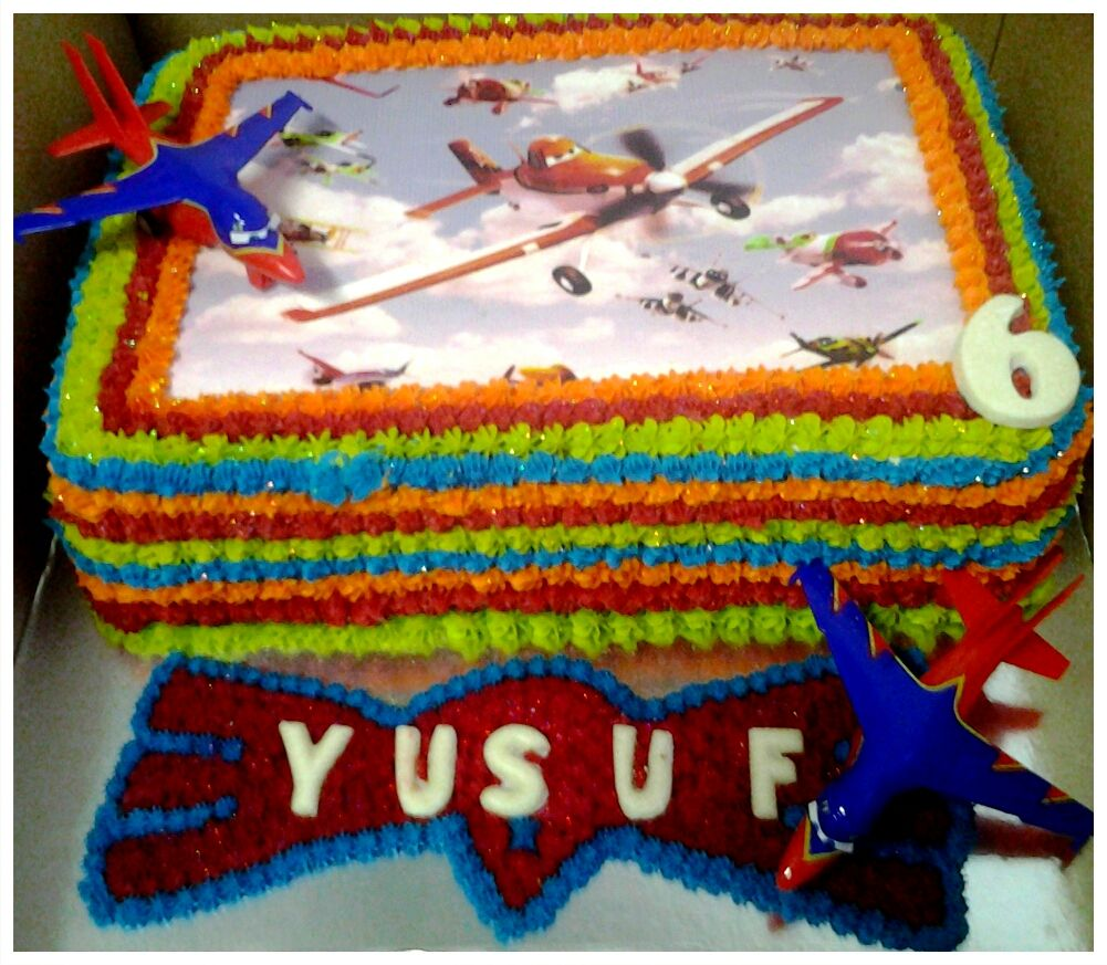 Planes theme birthday cake for little Yusuf Birthday Cakes