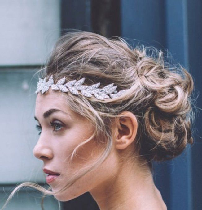 Le Headband L Accessoire De Coiffure Ultime De La Mariee Coiffure Mariee Coiffure Mariage Cheveux Mariage