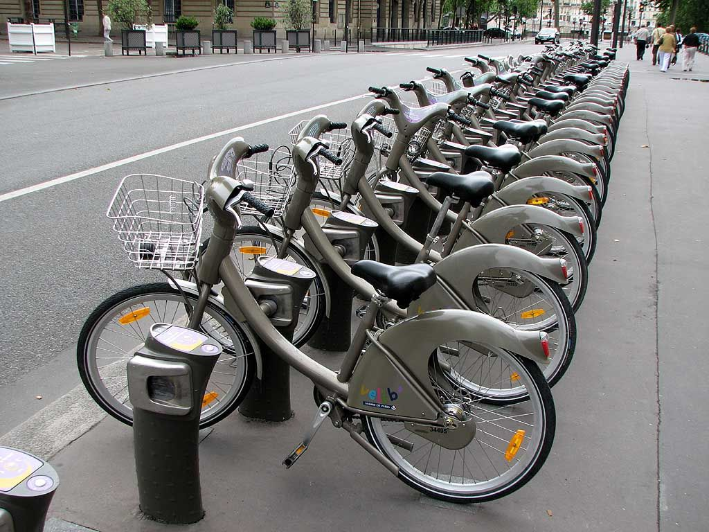 A Velib Station With Bicycles Paris Tours Bicycle New Travel
