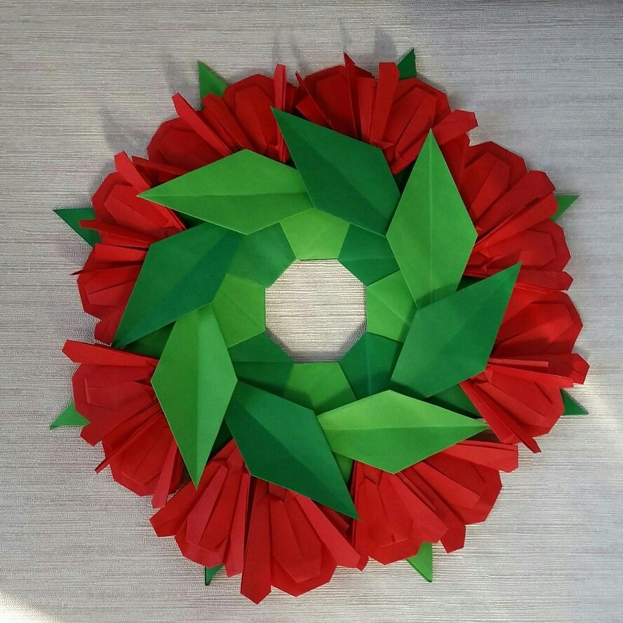 Origami Red Flowers Wreath Folded By Majomajo Crafts Origami Red Flowers