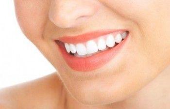 Cara Memutihkan Gigi Secara Alami Sebenarnya Tidak Perlu Anda