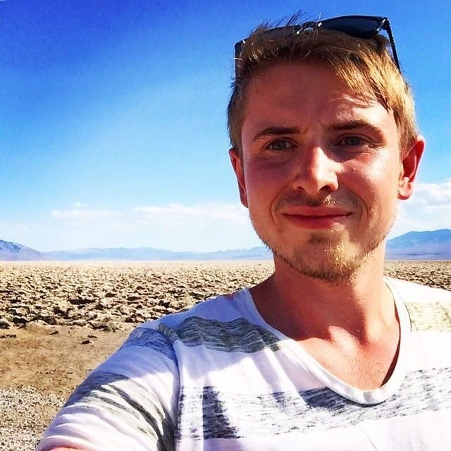 ‪Shot from the HOT Valley 😂‬ ‪📍 Death Valley‬ ‪https://youtu.be/jDutanKw8Qk‬  ‪#travel #blog #trip #selfie #me #nature #vlog #fun #explore #wanderlust‬