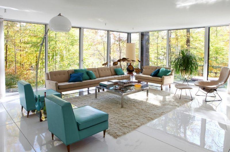 türkis und tulpe, kissen und weiche teppiche auf weiße böden und