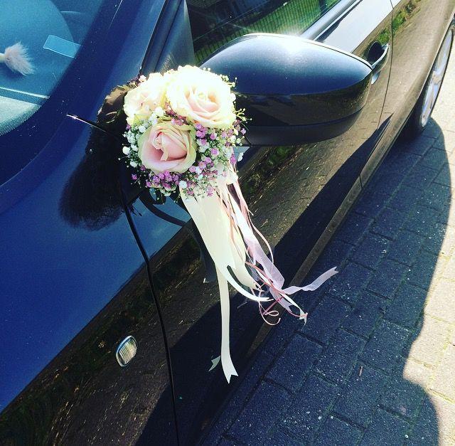 Autoschmuck Hochzeit Brautwagen  Flori pentru nunt in