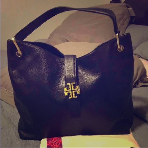 Tory Burch Plaque Hobo It Is New Without Tag But The Hardware Broken Of One Side I Think Can Be Repair Paid 495 Tax Bags Hobos
