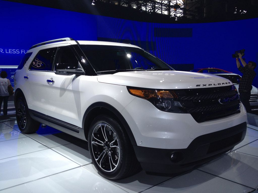 suv 2013 ford explorer sport with 3rd row seating family cars pinterest. Black Bedroom Furniture Sets. Home Design Ideas