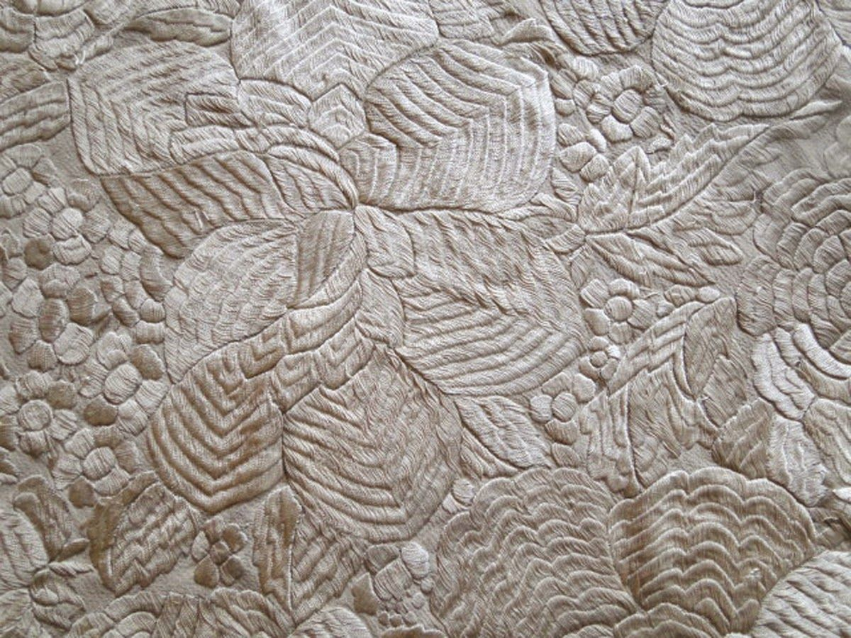 Buyer & Seller of Antique Lace, Fine Linens, Vintage Clothing, Haute Couture, Textiles, Fans: Antique Shawls