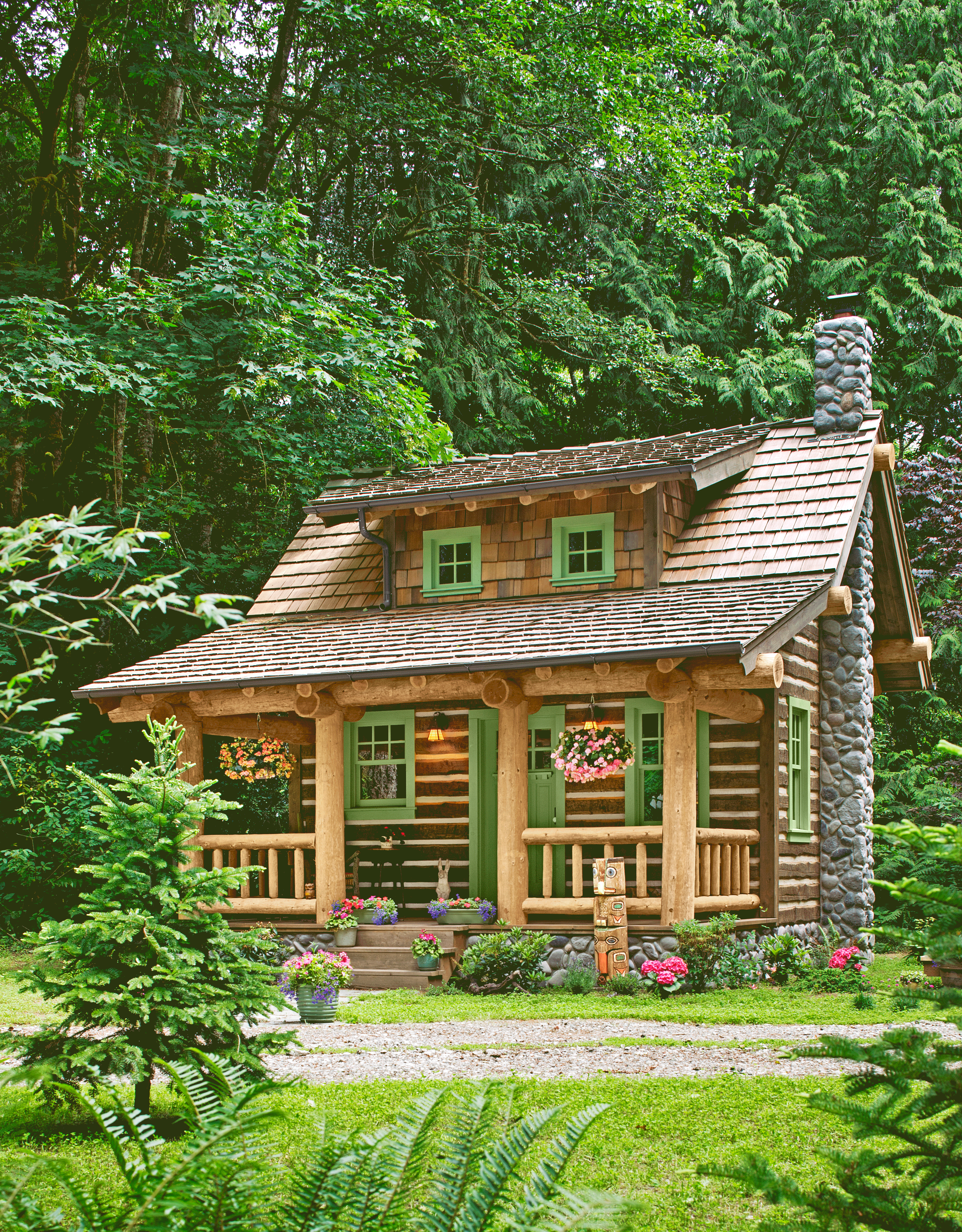 Country Decor Craft Ideas Comfort Food And Antique Appraisals Country Living Magazine Small House Pictures Tiny House Design Little Cabin