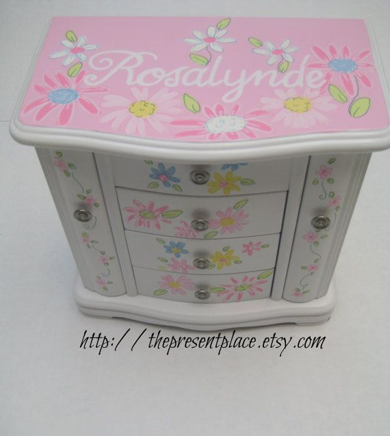 Large white jewelry boxhand paintedpersonalized giftdaisiesfairy