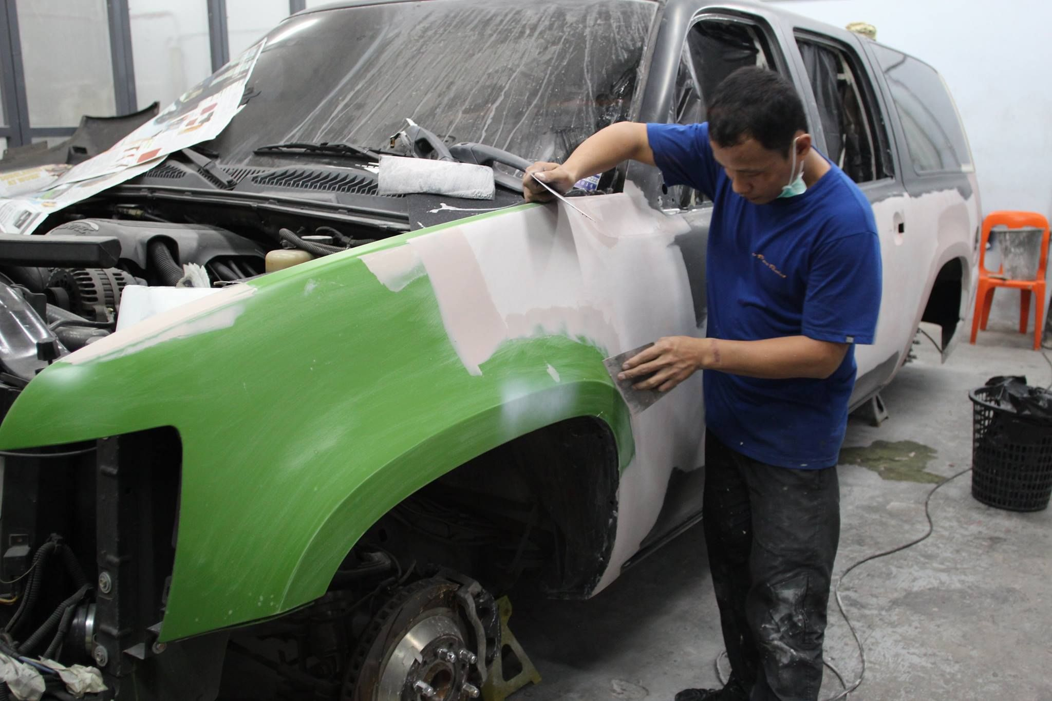 Final touches on our facelifted chevy suburban - Dec. 15, 2014 #carpornracing #suburban #chevy #facelift #carcustomization #partsdistributor