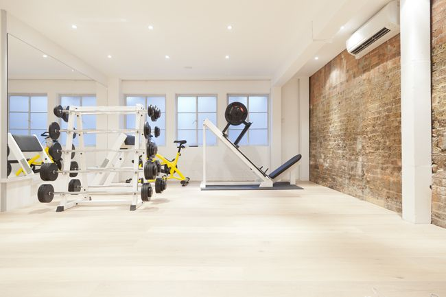 Personal training studio gym hire spin bar in personal
