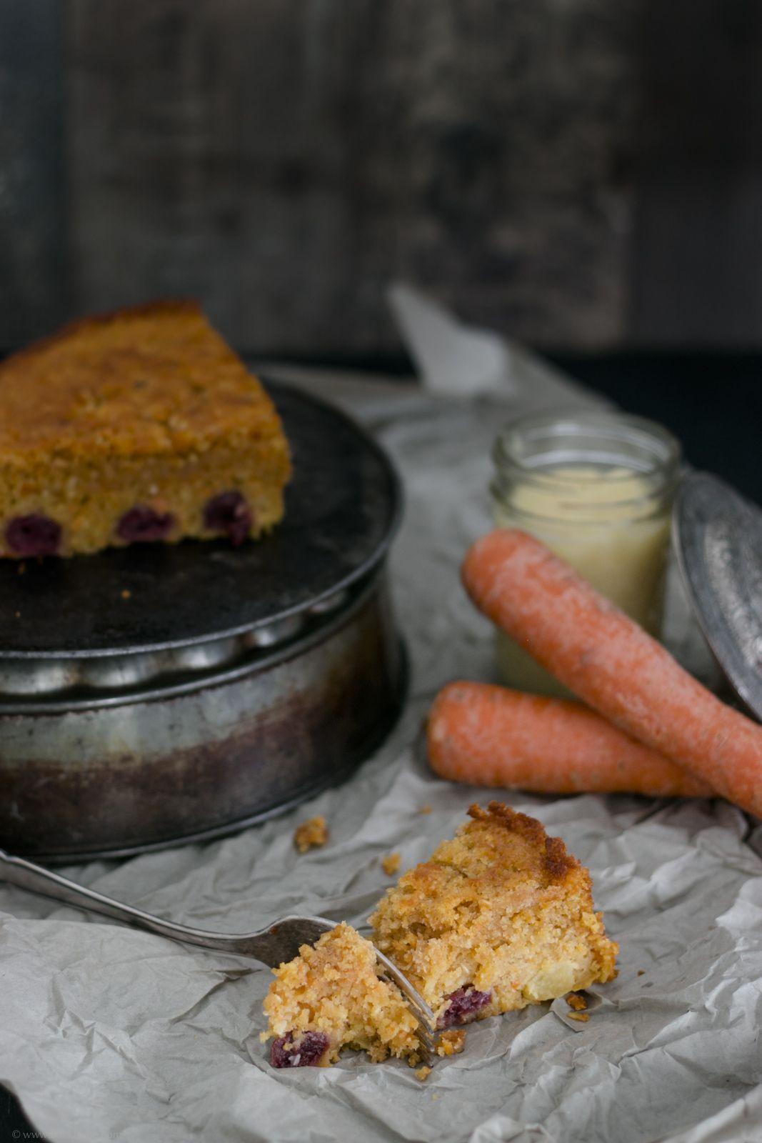 Saftiger, amerikanischer Karottenkuchen mit Kirschen – kleine Dinge erhalten die Freundschaft – Backbube Foodblog / moist american carrot cake with cherries