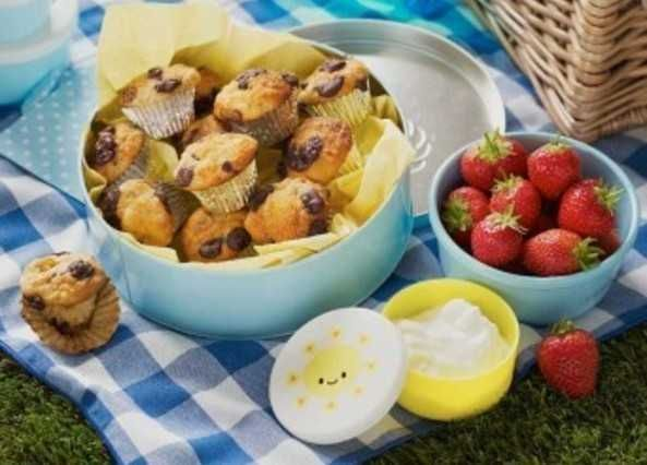 Everyone loves mini muffins. These are great for a packed lunch or picnic and are the perfect size for a little treat.