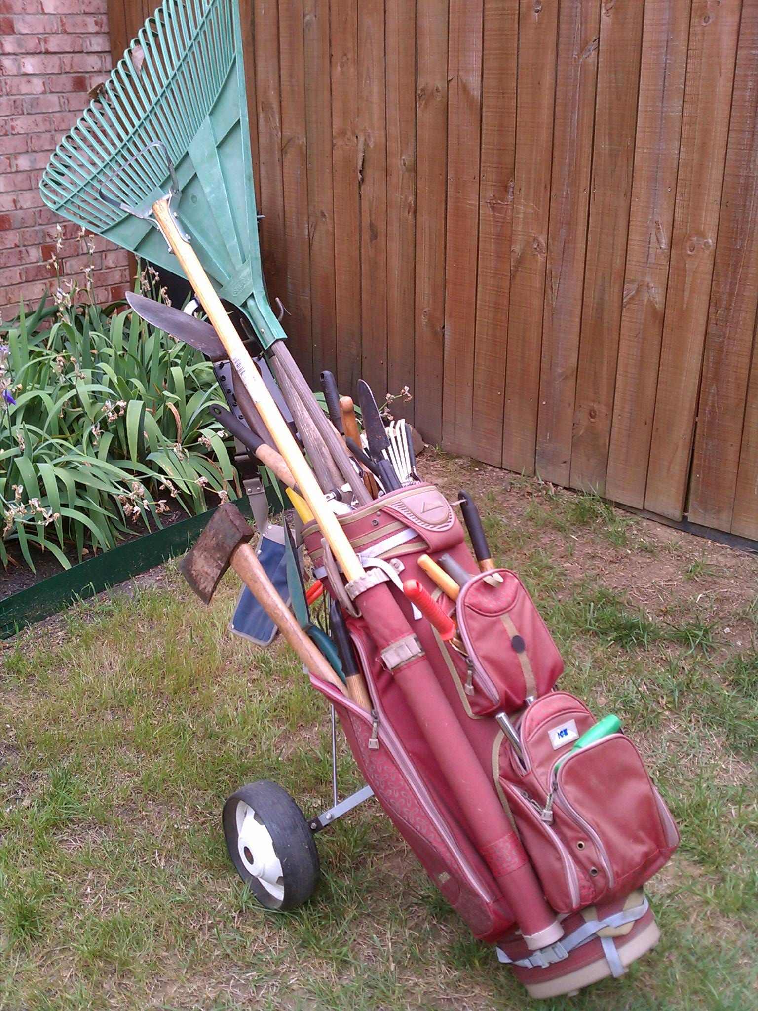 My Garden Cart Making Use Of An Old Golf Bag And Pull Cart