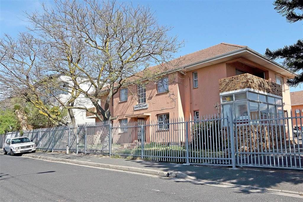 Explore this property 2 Bedroom Apartment in Rugby House