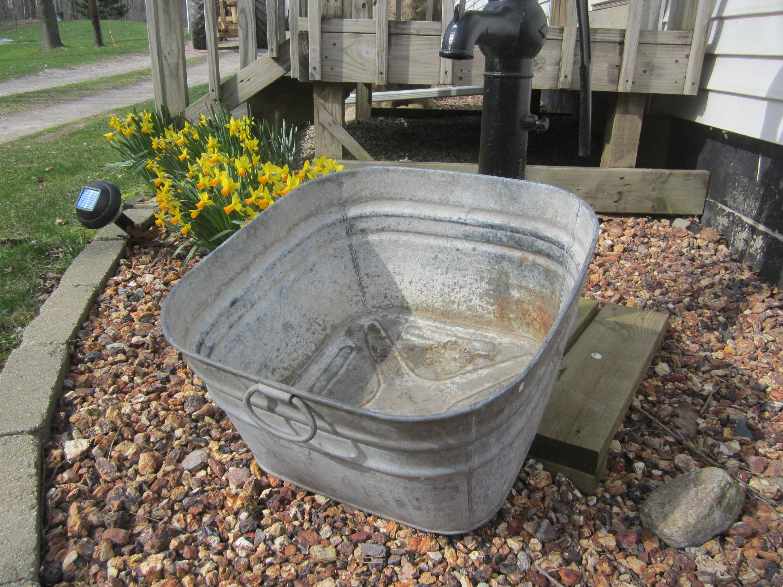 Large Galvanized Square Tub Vintage Galvanized Tub Garden Decor Square Wash Tub Farmhouse Decor By Usefuloldst Galvanized Tub Tank Pool Galvanized Wash Tub
