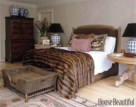 I just want to curl up in this bed, throw that banket over me and take a nap!