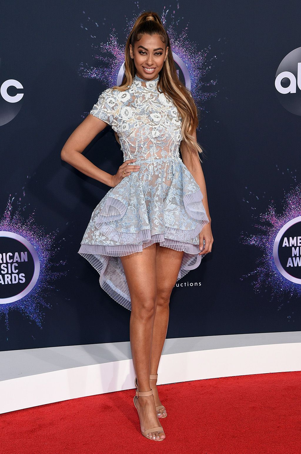 8 Most Beautiful Celebrity Dresses at American Music