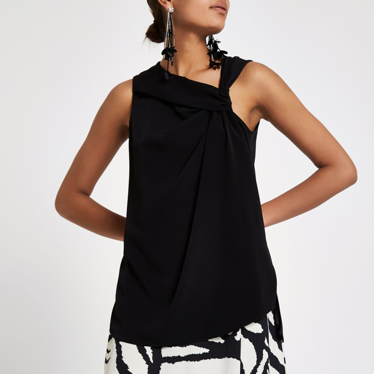 Black knot front sleeveless top 64adcf05a5763