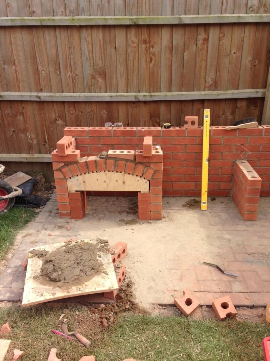 My Brother Built Me This Awesome Masonry Bbq In My Back Garden Masonry Bbq Brick Bbq Barbecue Design