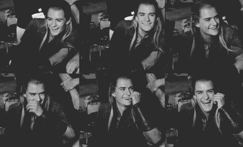OMG LEGOLAS IS SO CUTE IN THIS! SMILES ALL AROUND!!!
