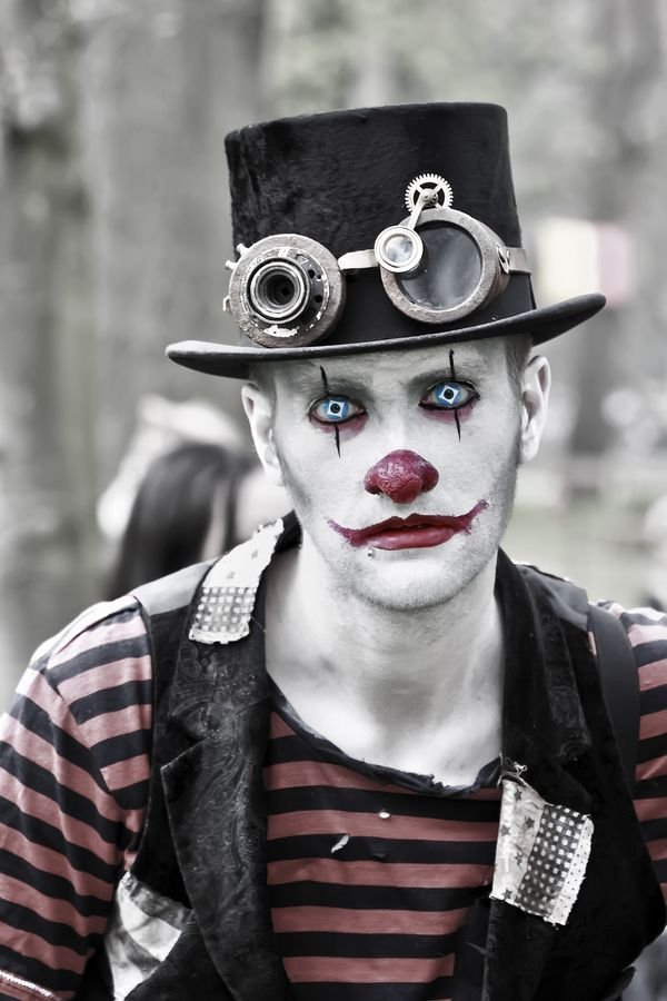 a steampunk clown cosplay this is terrifying 13 clown makeup ideas steampunk mashup. Black Bedroom Furniture Sets. Home Design Ideas