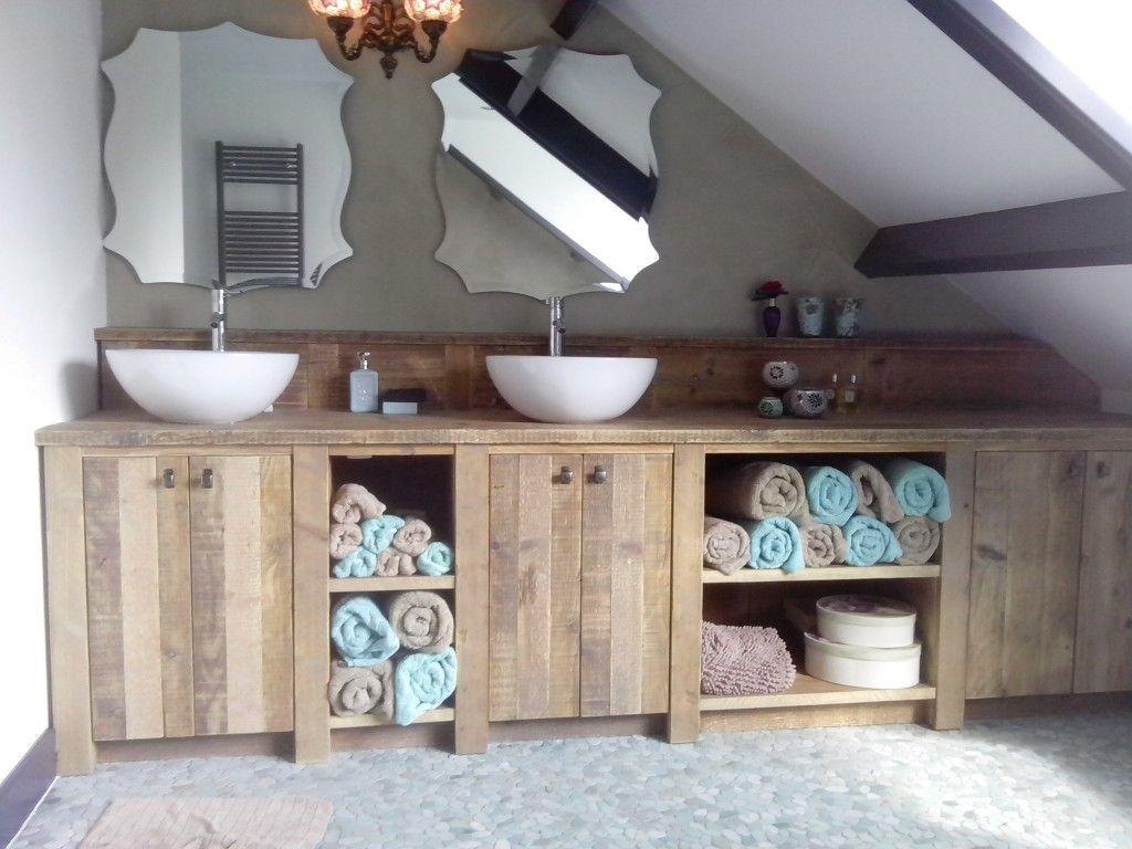 Badkamermeubel Van Steigerhout : Badkamermeubel op maat gemaakt van steigerhout met waskommen