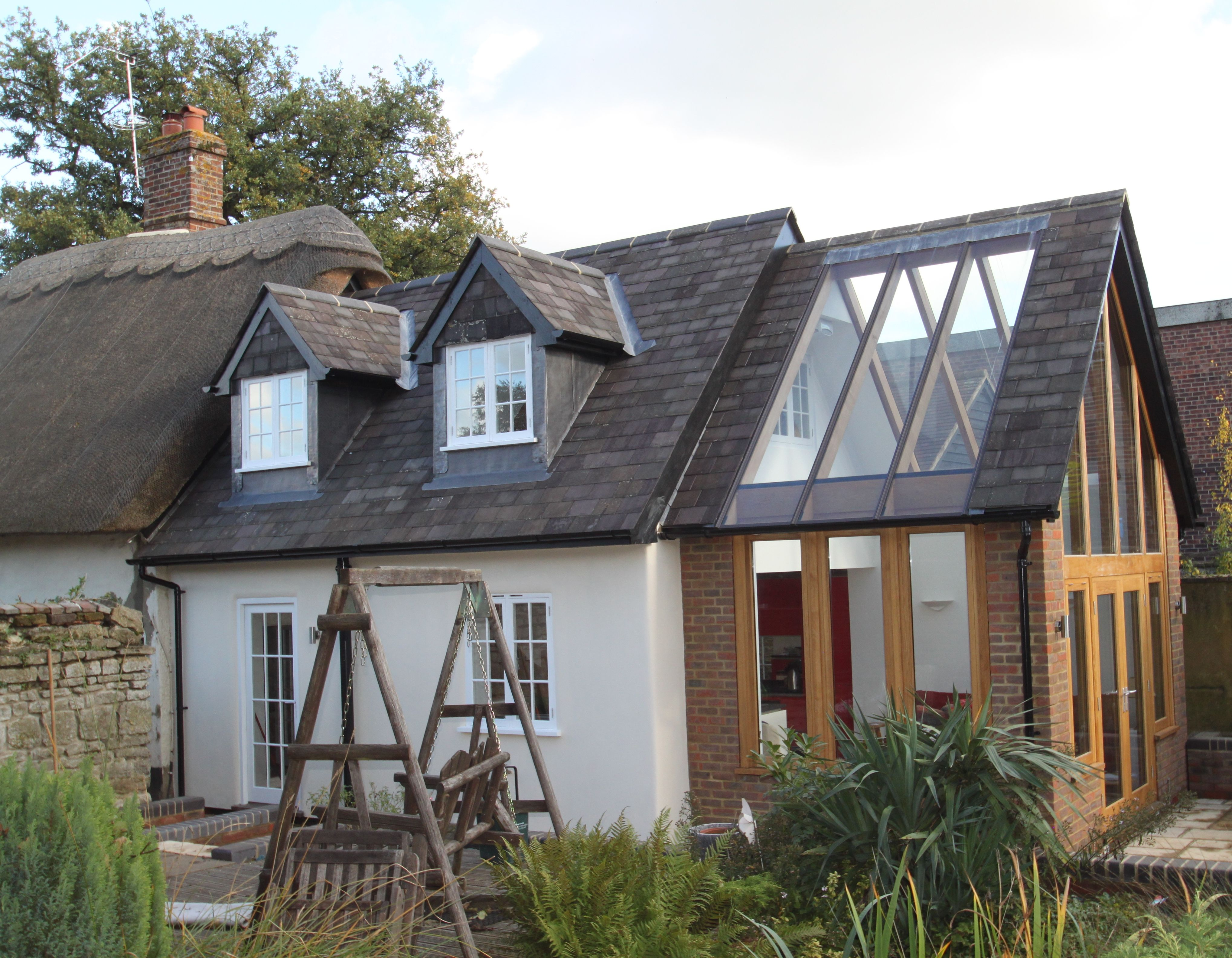 Modern extension on old cottage google search pinteres for Agrandissement maison houilles