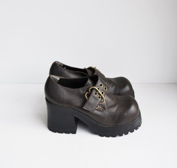 4aa20e120df Vintage 90s Platform Shoes Chunky Heel LEI by founditinatlanta ...