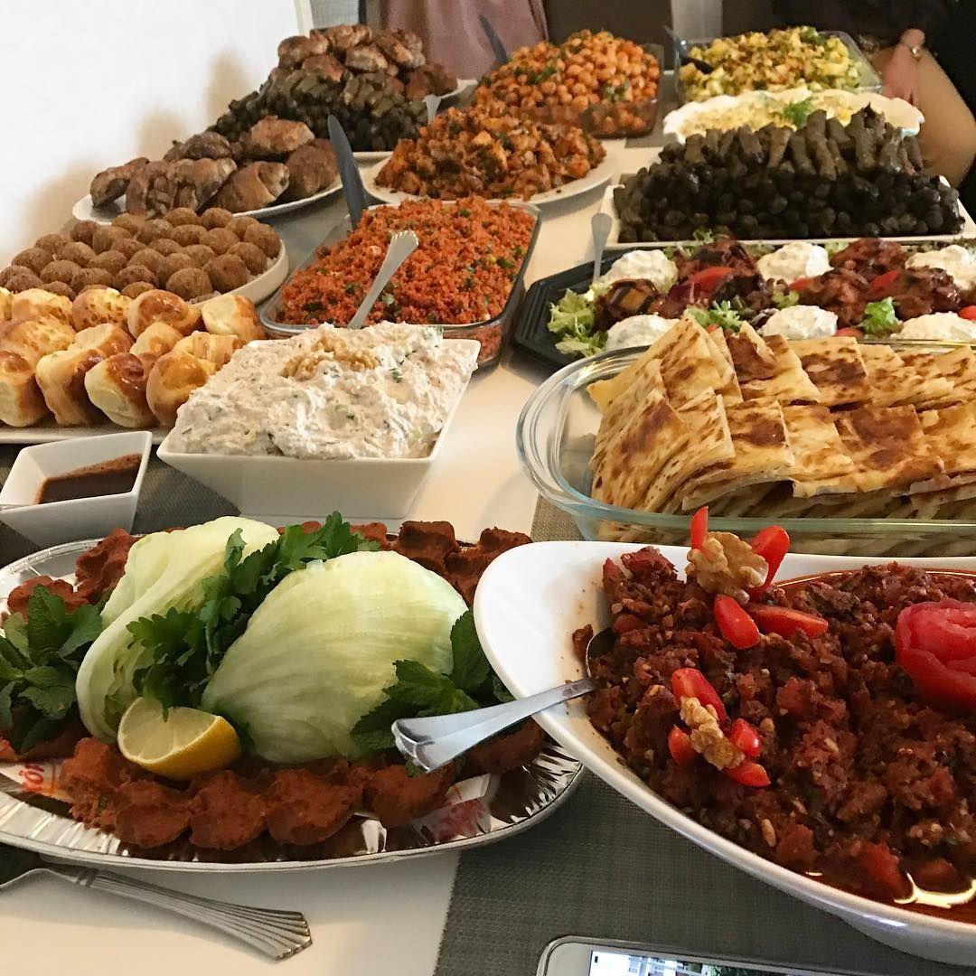 Pin By Dodi Aljhdali On مواعين و اكل Moroccan Food Food Yummy Food