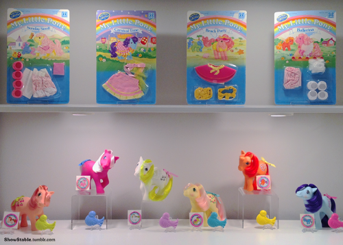 UK exclusives have been one of my obsessions in recent years and the'My Little Pony' set from 1986 took me a long time to complete. Here it is displayed with my'Collection 4' pony wear set which came out around the same time.