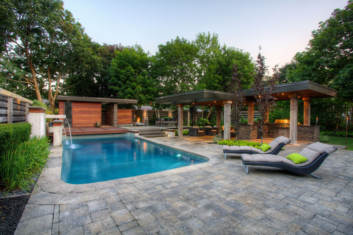 Toronto pool landscaping vaughan landscaping pool for Pictures of backyard pools