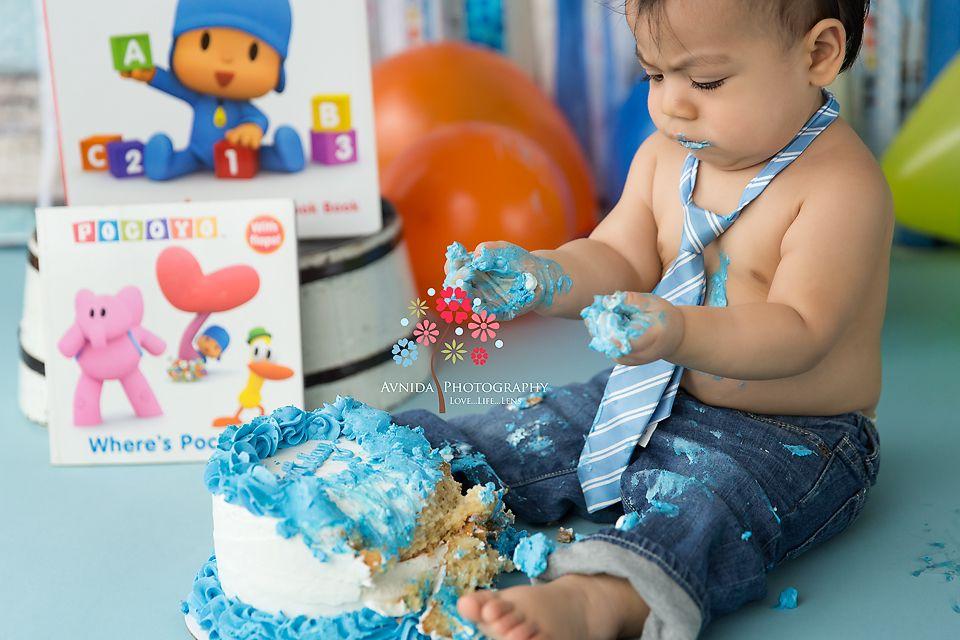 Pocoyo Cake Smash Theme By Avnida Photography New Jersey Newborn