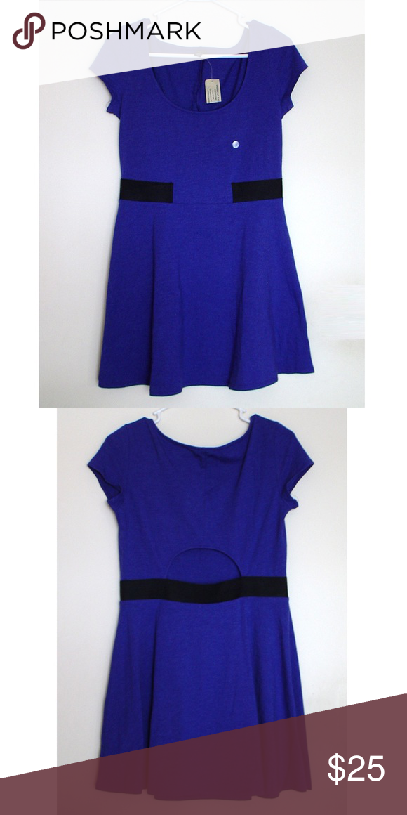American Eagle Flirty Kate Dress w/Lowback Cutout Brand New with Tags. American Eagle Cute Flirty Kate Dress w/Lower Back Cutout in Cobalt Blue. Stretchy black elastic band to accentuate the waist. 55% cotton, 38% polyester, 4% elastane. American Eagle Outfitters Dresses Midi
