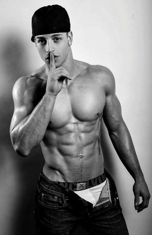 Guy latino sexy — photo 9