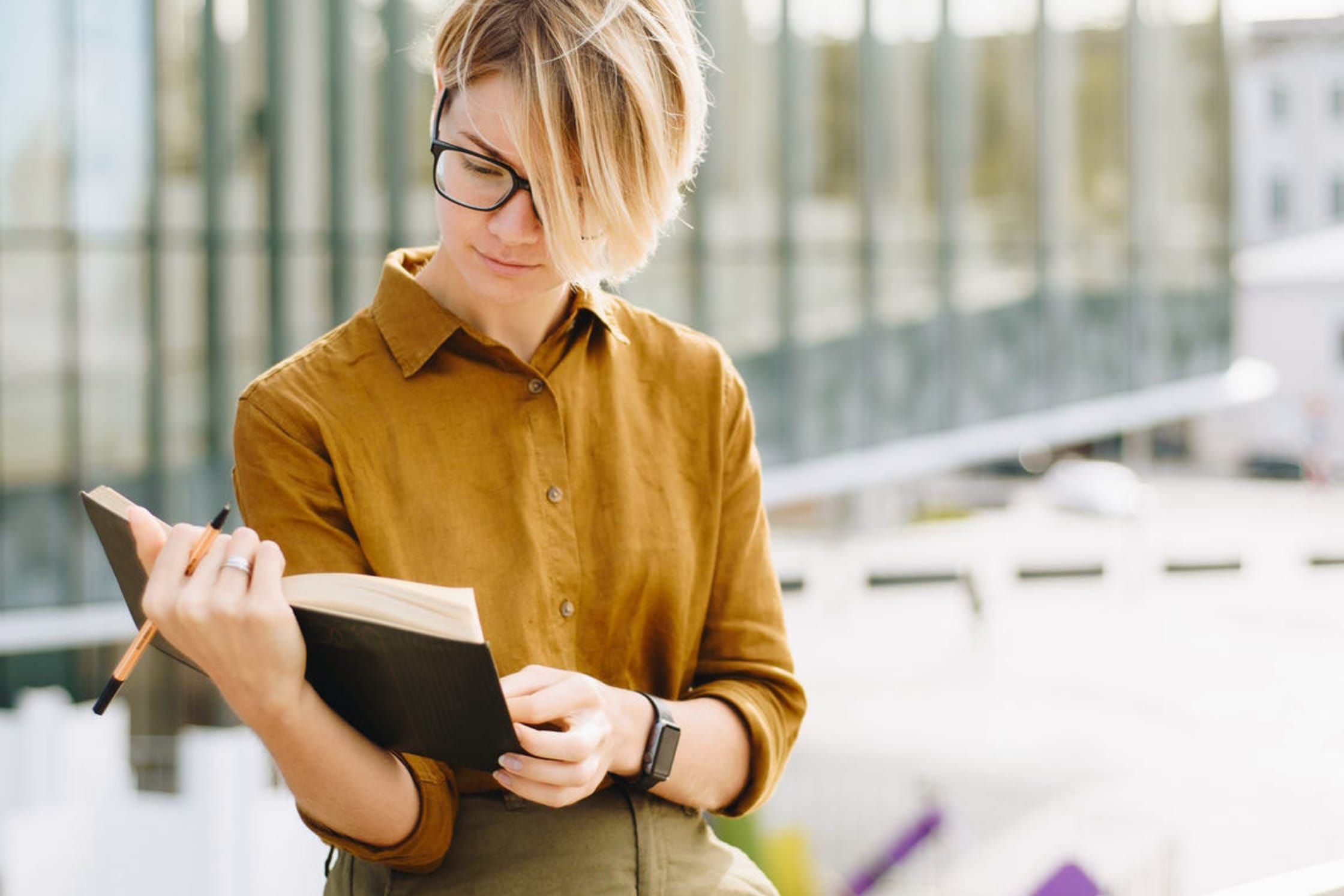 The 6 Books This Clinical Psychologist Has All Her Students Read To Understand The Human Spirit Clinical Psychologist Psychologist Books Psychologist