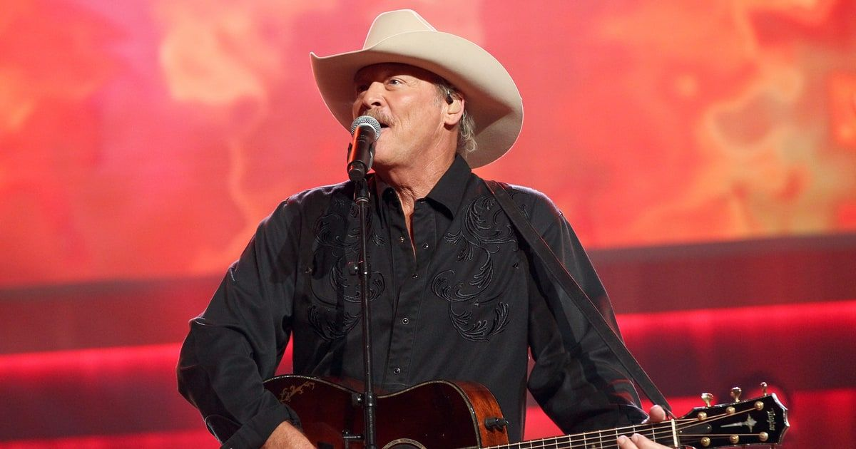 Hear Alan Jackson S Tender New Song The Older I Get With Images