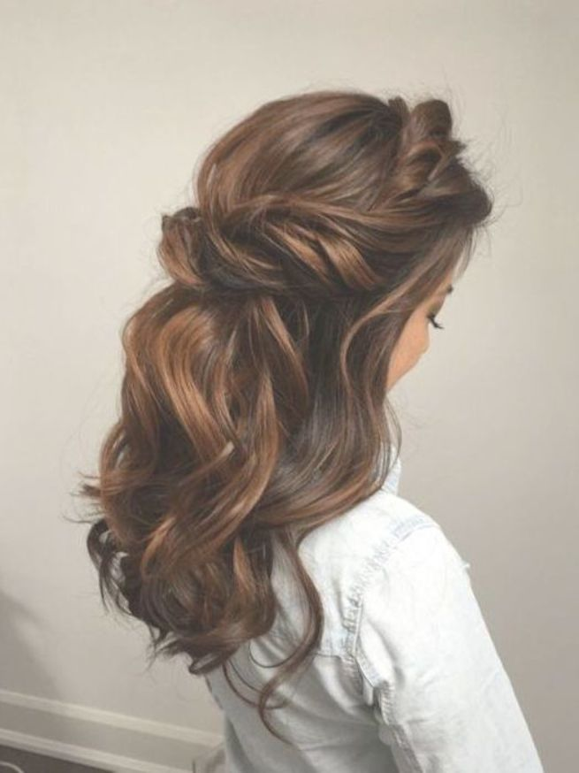 28 Captivating Half Up Half Down Wedding Hairstyles Brunette Hairstyle W Bridesmaid Hairstyles Half Up Half Down Medium Length Hair Styles Medium Hair Styles