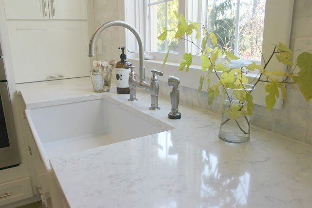 How to Choose the Right White Quartz for Kitchen Countertops - Hello Lovely