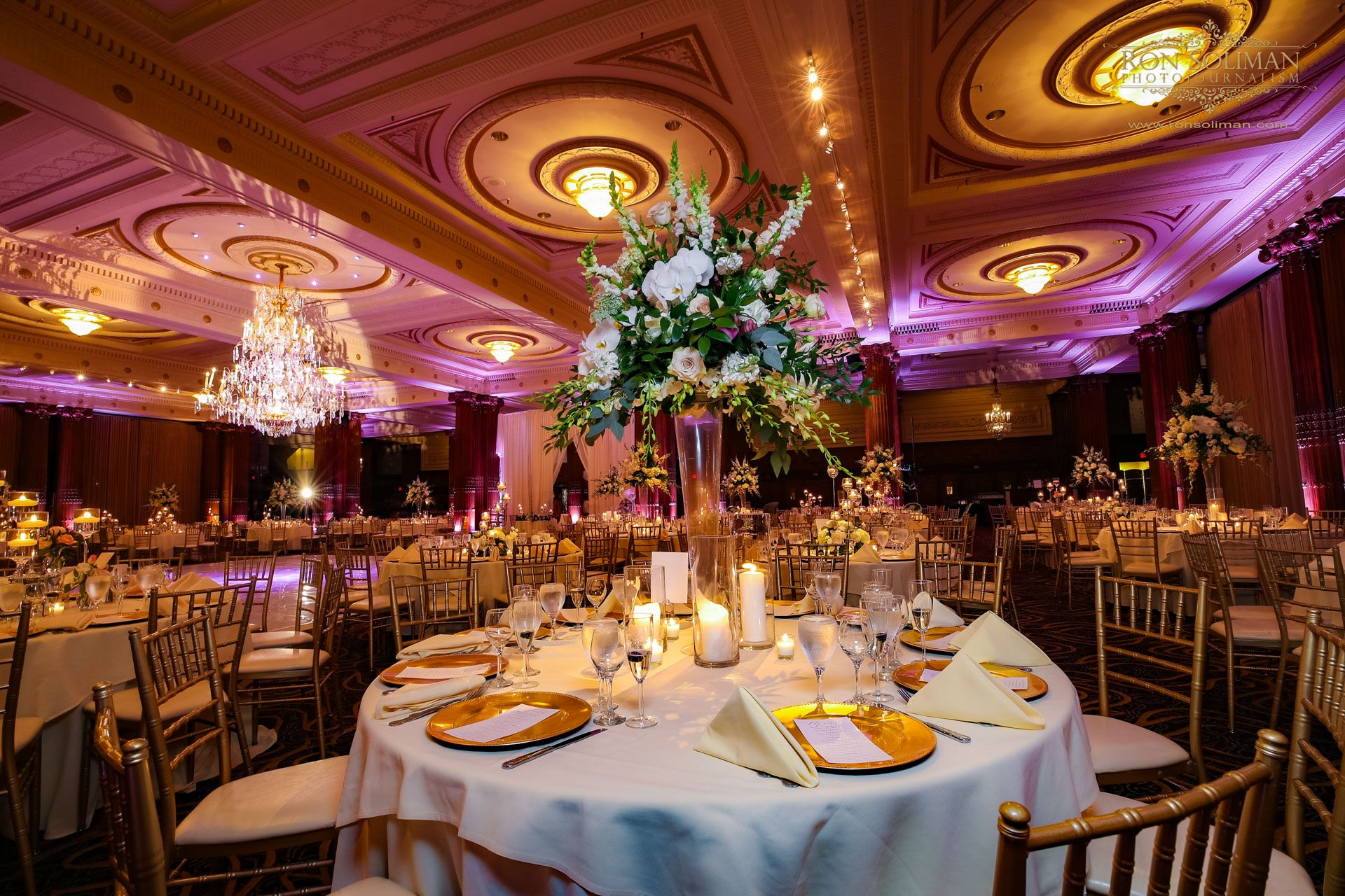 Crystal Tea Room Wedding Manisha Kunal I Gorgeous Wedding Flowers I Ron Soliman Photojournalism Www Ronsoli Tea Room New York Wedding Wedding Photographers