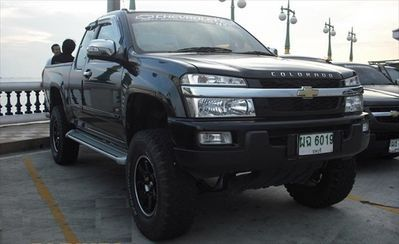 chevrolet colorado custom