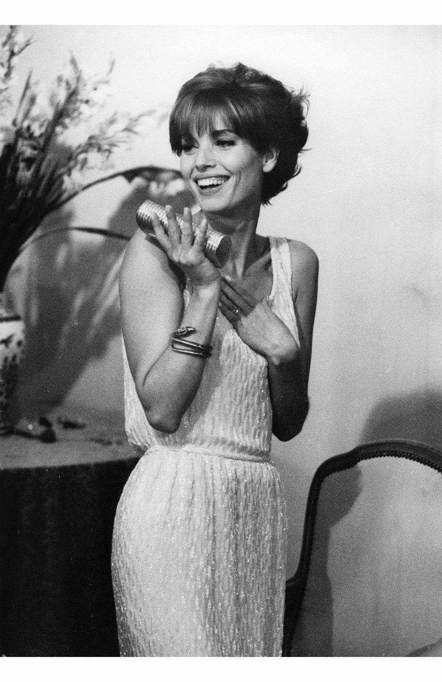 Elsa Martinelli | Italian actress, Actresses, Kirk douglas