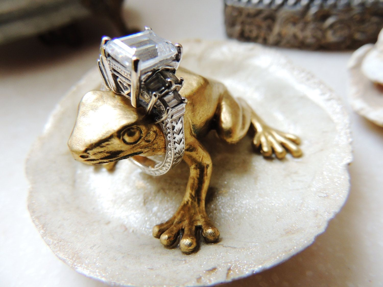 Small Wedding Ring Holder Frog Bedside Sink Gold Animal Jewelry