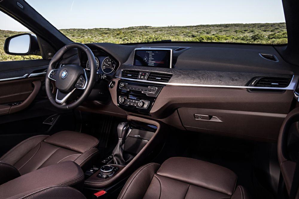 2016 BMW X1 xDrive28i interior view 02