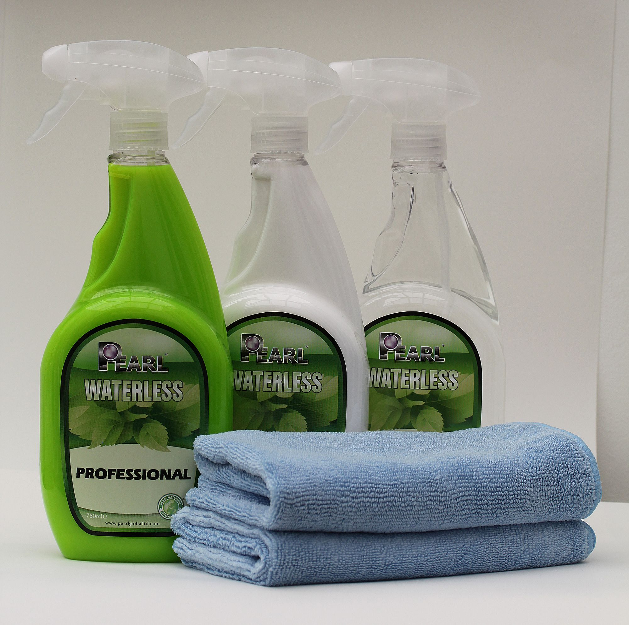 Ecofriendly green waterless car wash products and
