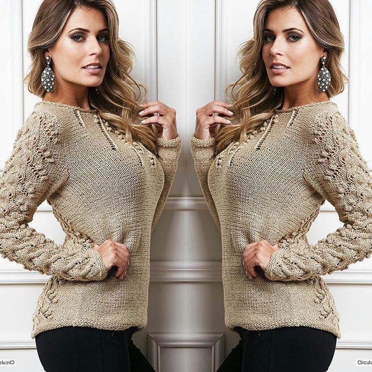 «Blusa de tricô dourada: poder e elegância sem medida! #semprecirculo #moda #lookdodia #ootd #trico»