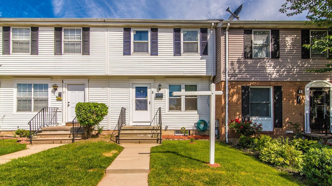 Fabiola Alvarado Of Fairfax Realty Inc Just Listed 5 Pendleton Court Unit 12g Frederick Md 21701 Lovely 3 Bedroom First Time Home Buyers Home Warranty Patio