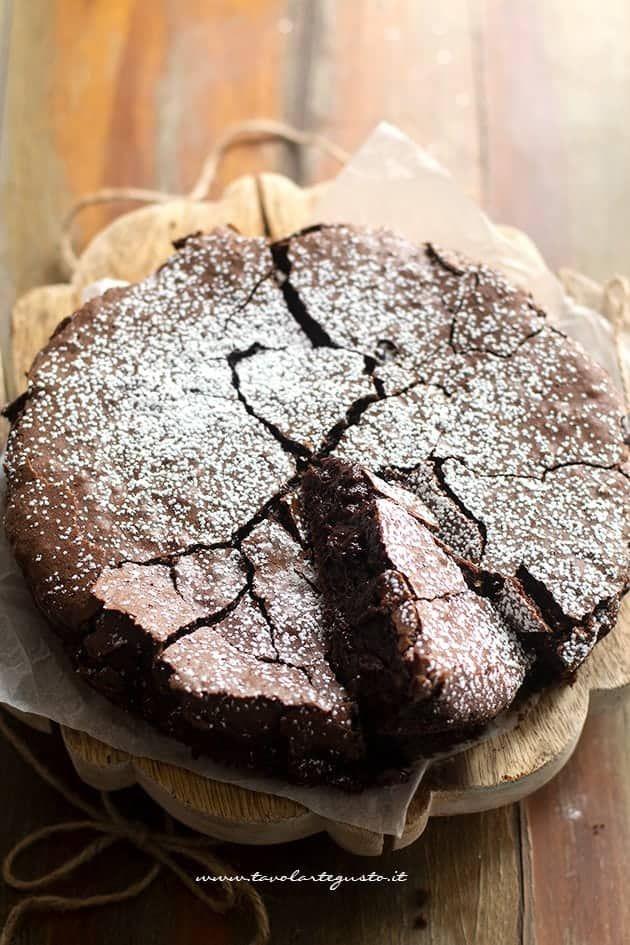 Torta al cioccolato fondente (morbida, cremosa, facile!) – Torta al cioccolato