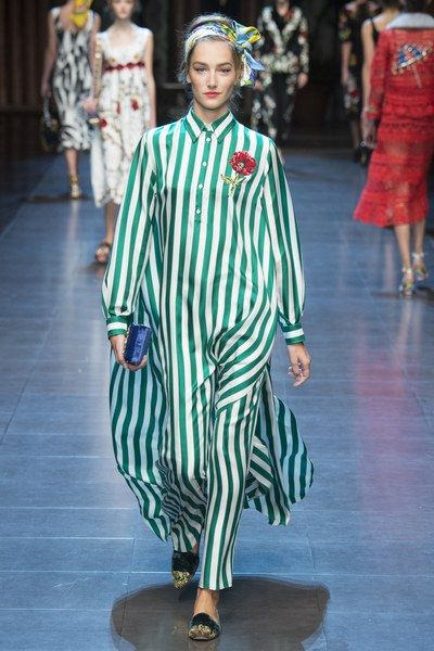 Dolce Gabbana Spring 2016 Ready To Wear Fashion Show Avec